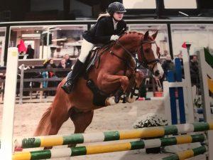 Indoor Oosteind pony springen @ Manege Buitenhorst